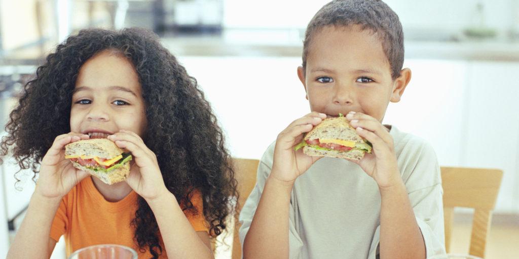 Danbury Ofrece Desayunos y Almuerzos Gratuitos para los Niños Durante el Verano
