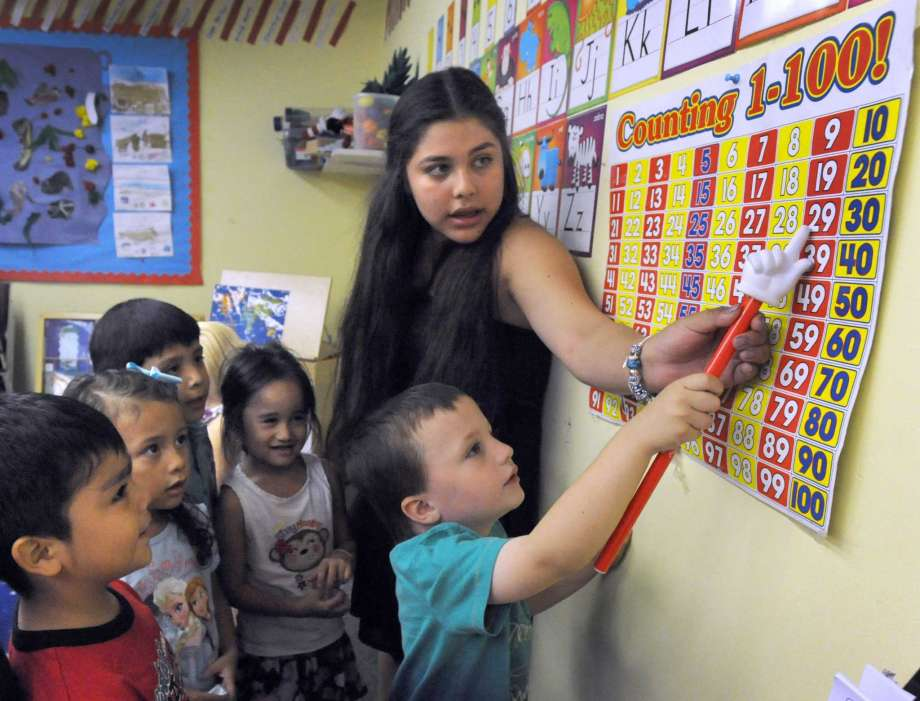 Escuelas Públicas de Danbury anuncian la Apertura del Centro de Participación Familiar y Comunitaria (FACE Center)