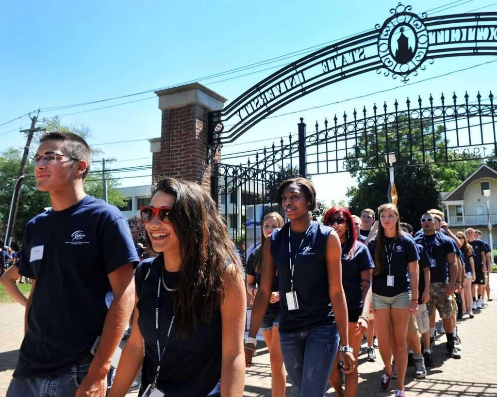 Universidad de Western Connecticut State Ofrece Matrículas y Cuotas a Precio Estatal para Estudiantes de Nueva York