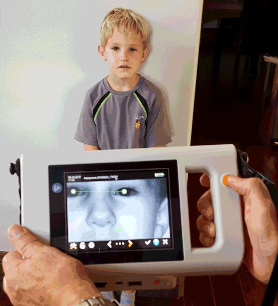 Programa KidSight del Club de Leones Ayuda a Curar Problemas de la Vista en los Niños