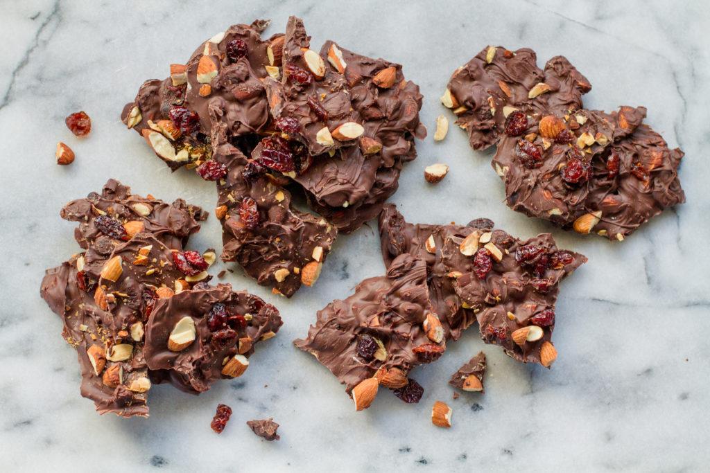 Barra de Chocolate Negro con Arándanos y Almendras