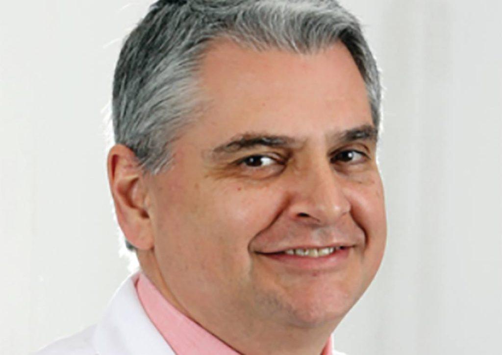 Doctor Brasileño es el Médico de Atención Primaria más Reciente del Allicance Medical Group en Naugatuck