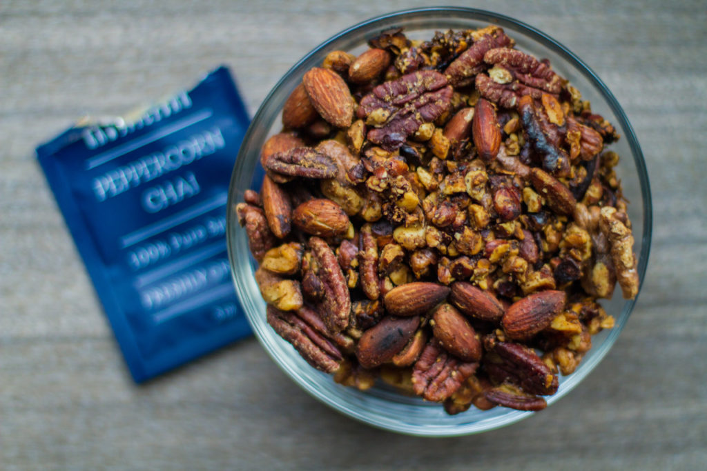 Peppercorn Chai con Nueces Mixtas