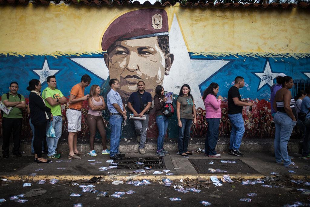 """""""La oposición de Venezuela convoca una consulta popular contra la Constituyente del régimen de Maduro."""""""