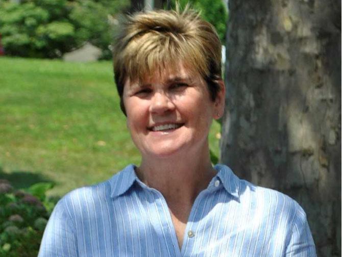 Profesora del Año de Danbury 2017-18 Ama la Ciencia