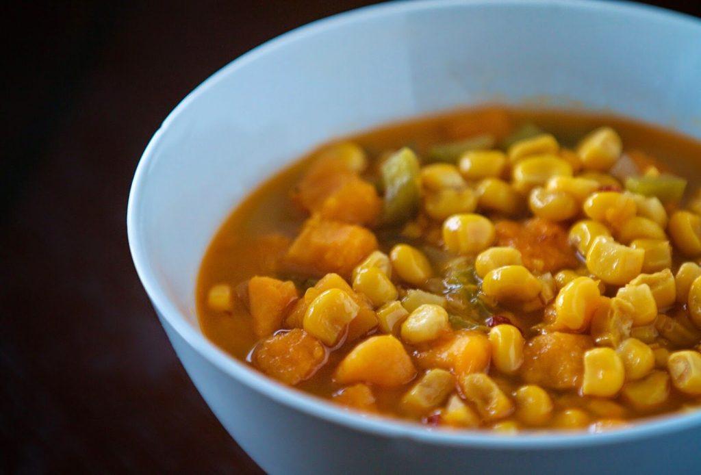 Sopa de Maíz y Camote a Cocción Lenta
