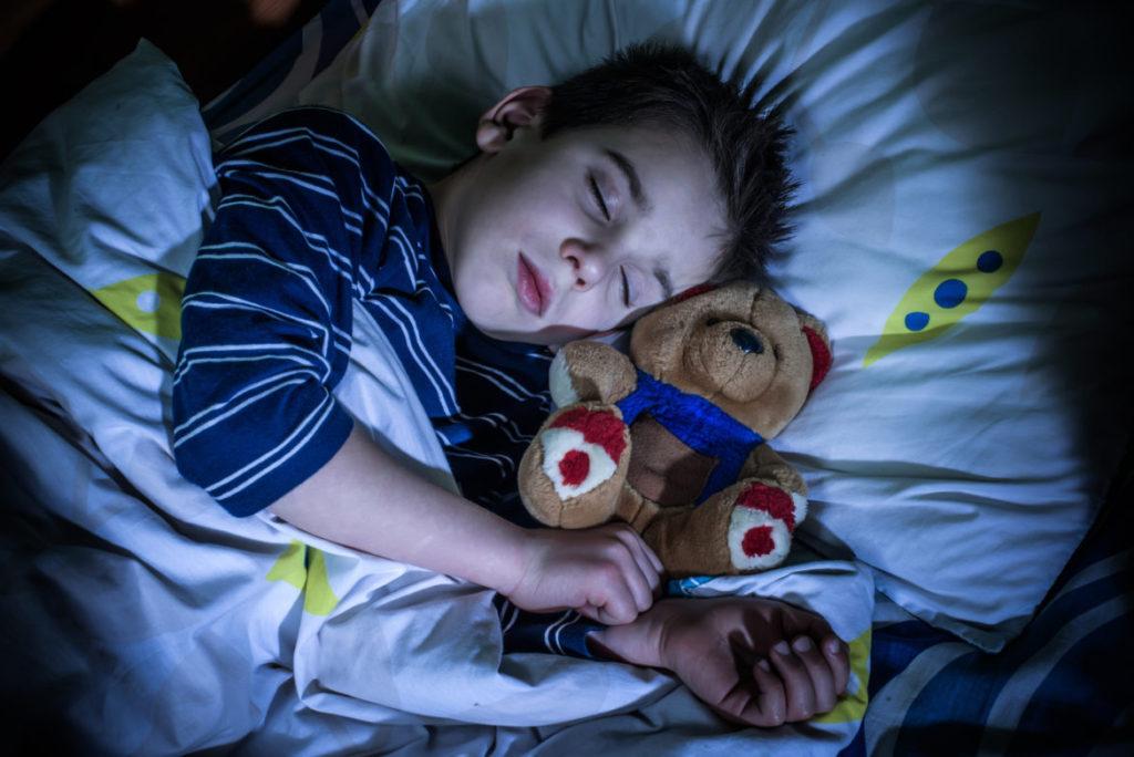 La necesidad de que los Niños Tengan un Sueño Adecuado y Rutinas Positivas