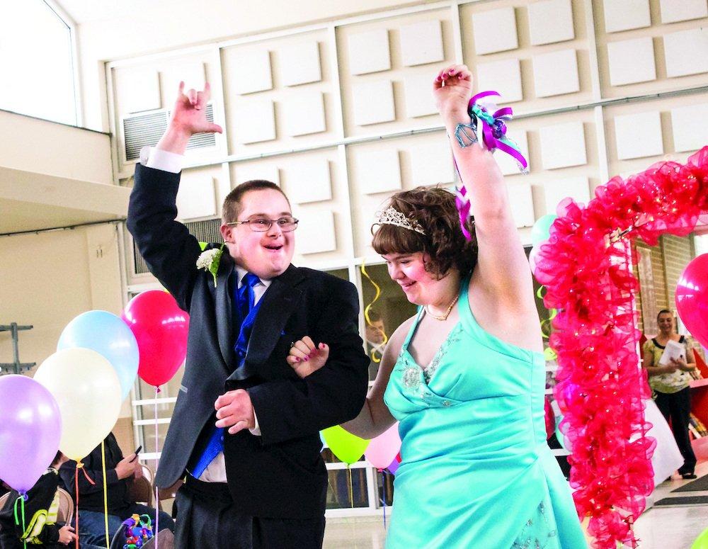 Baile de Graduación Unificado para Conectar Estudiantes con Necesidades Especiales