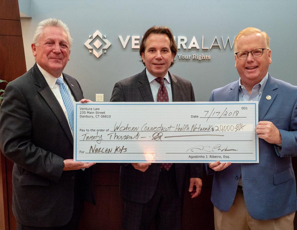 Ventura Law Dona $20,000 en la Lucha Contra la Epidemia de Opioides en Nuestras Comunidades