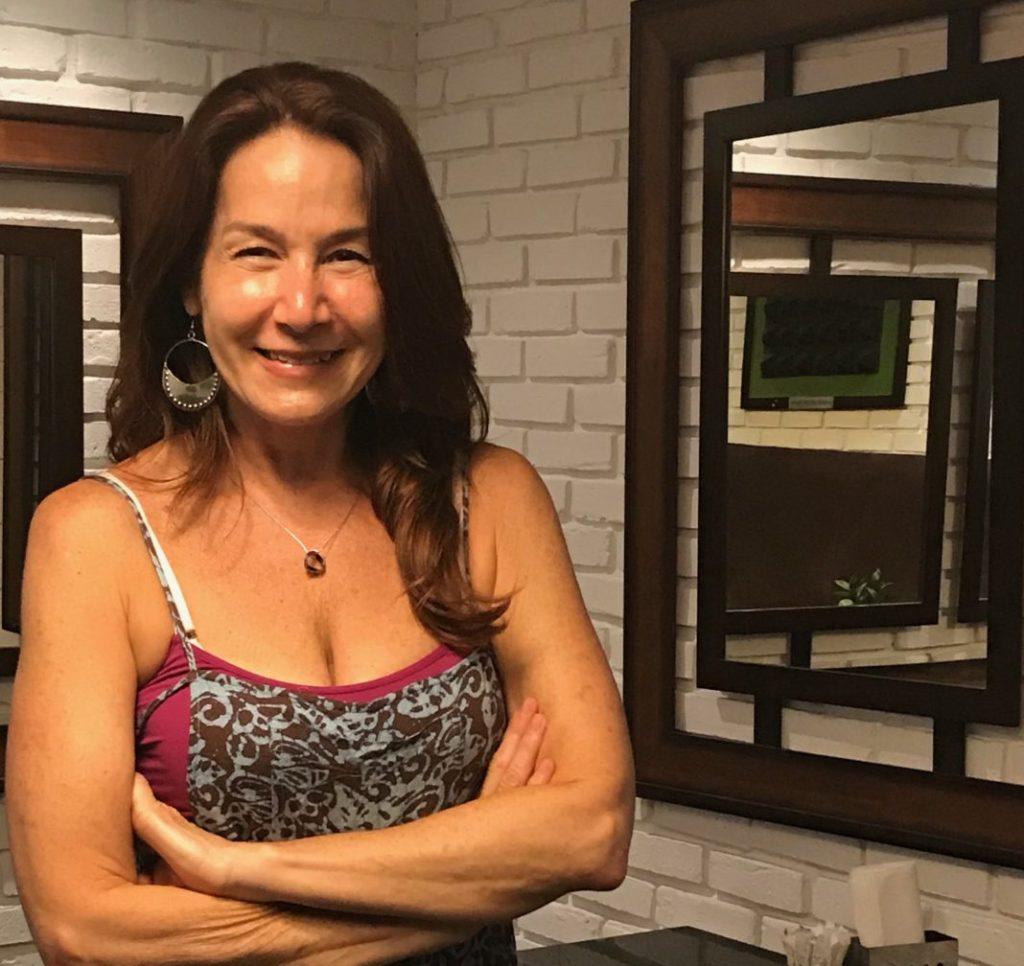 Marian Pabón y AARP Connecticut Traen Comida y Risas GRATIS a Danbury