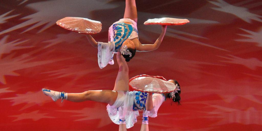 Acróbatas de China: El nuevo circo de Shanghai